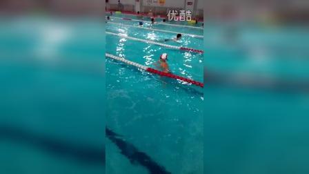 张昊霖在三毛游泳11