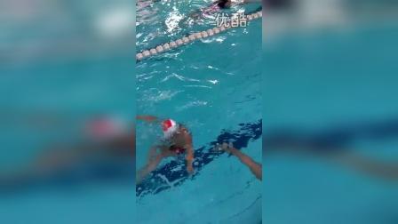 张昊霖在三毛游泳25