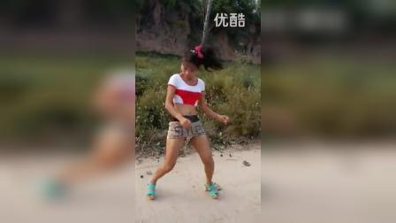 河北临城两口美女自由舞_标清