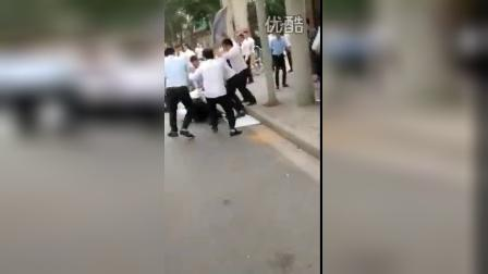 上海中介打架群殴