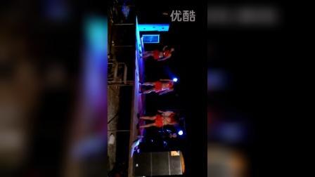 辽中田震华舞蹈队大型摇头舞