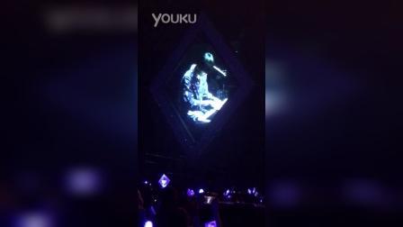 20151121 CNBLUE CometogetherinHK-容和即兴自作曲表演