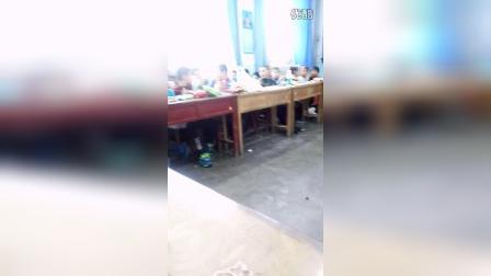 塔城市第六小学三(五)班庆元旦