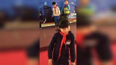 2015-12-31《听妈妈的话》舞蹈