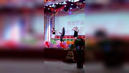 葫芦岛南票区高桥中学八年级女生舞蹈