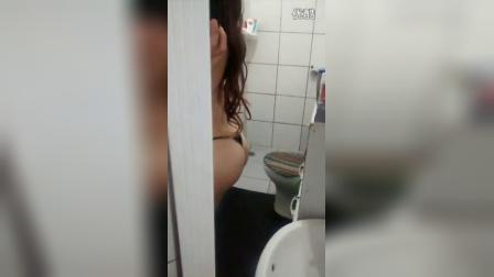 看健身美女洗澡