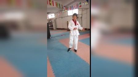 跆拳道横踢