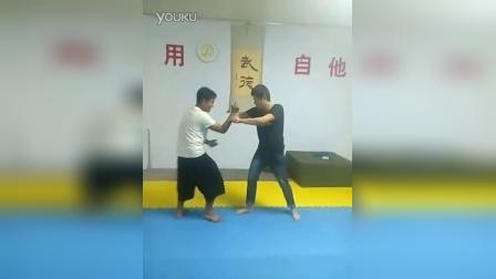 形意拳打活桩,学生已经可以把人打起来了