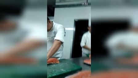 广州新东方烹饪学校铂尔曼喜哥东锅杀三文鱼