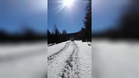 北汽勇士雪地越野