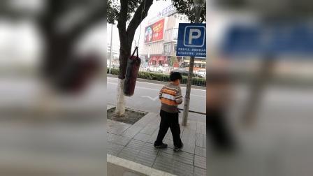 9岁10个月 康辉放假了 拳脚训练 刻苦(哥不是传说 不要迷恋哥)