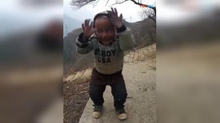 这小孩子表情绝了, 绝地求生
