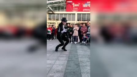 爽儿, 模仿迈克杰克逊, 这段舞蹈值得一看_标清