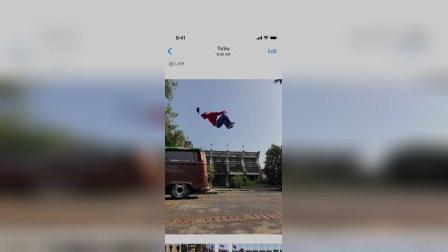 在iPhon上创建一个弹跳的Live Photo