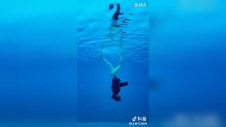 对于我这种不会游泳的人来说,手机反过来就是一个赞!