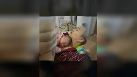 可爱的小宝宝从出生的第一天到今天有两个多月啦,祝小宝宝健康快乐的成长!