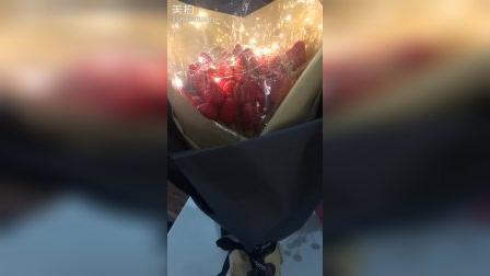 昨天老公生日,亲手给他制作的草莓花束