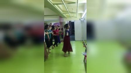 新疆舞横垫步组合(汪老师)
