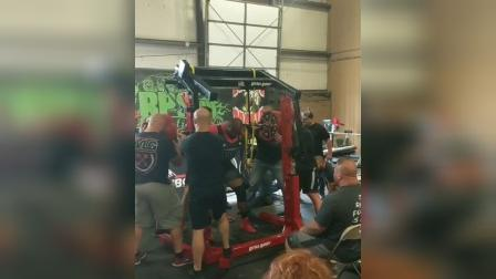 西尔斯无装备深蹲480公斤打破140公斤级世界纪录