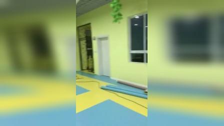 渭南幼儿园塑胶地板完美通过验收