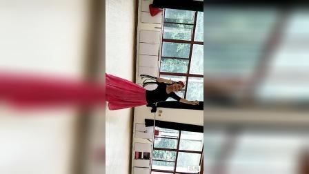 """舞蹈""""新疆人"""",李明琼老师原创主教,hh(黄老师)习练。"""