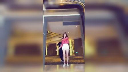 江疏影爆笑跳舞视频