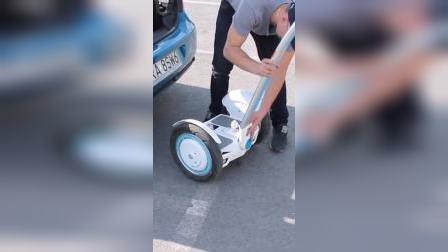 爱尔威 airwheel s3智能平衡车 轻松放入汽车后备箱,出行代步好选择!