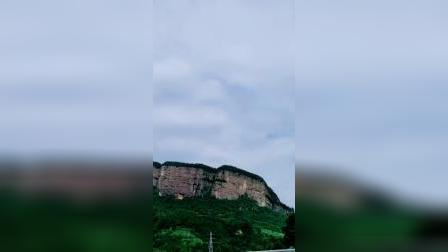 剑门关的山,险,峻,陡