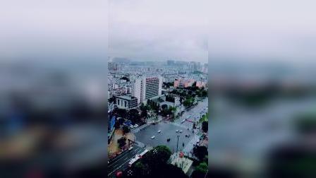 暴雨来袭的内江城