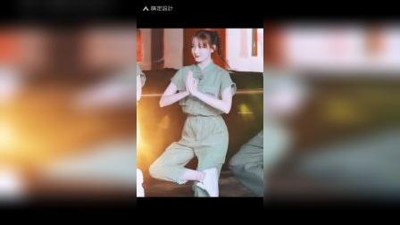 可可爱爱❤迪丽热巴,遇见天坛节目录制。