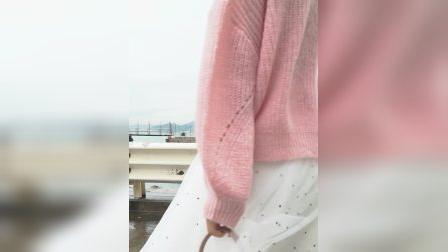 ONE MORE2019春装新款V领蝙蝠袖毛衣女长袖破洞针织衫宽鬆打底衫