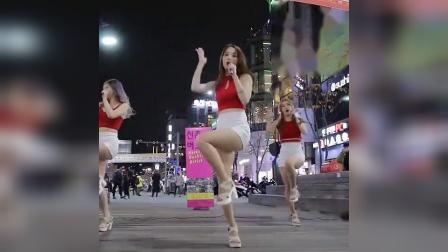 韩国女团(Tweety) Hug Me街头饭拍热舞视频