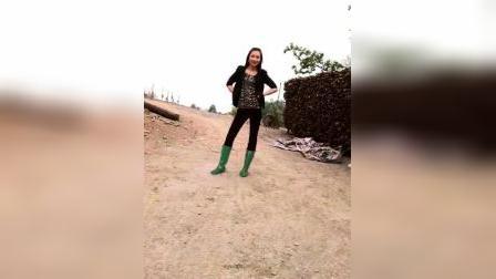怀旧雨靴视频