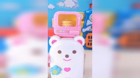 小猪佩奇的爱心小熊冰箱玩具