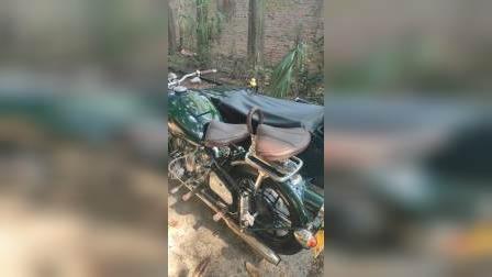 这是杭州一个朋友的长江750侧三轮摩托车