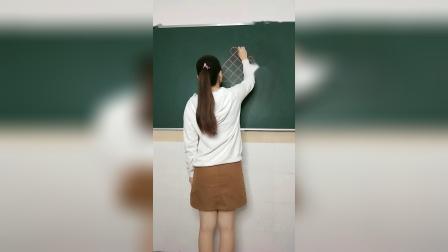 幼儿园穿短裙画画的幼师,实力不容小视,作为领导我想涨工
