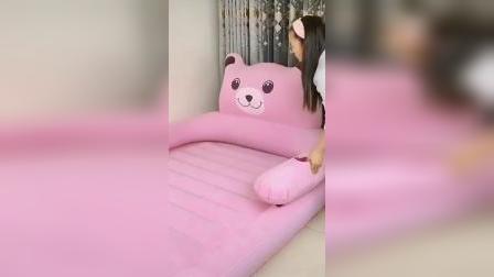 超级好看实用的卡通充气床,过年家里睡不下,把这个充气床打开小朋友都抢着睡充气床