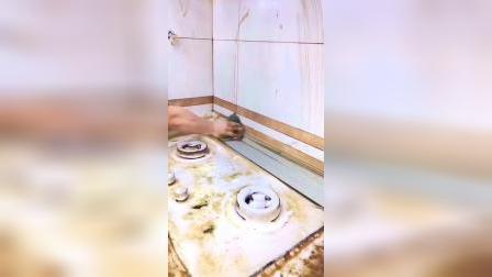 厨房油污清洁,好用不伤手,油污在严重也能搞定