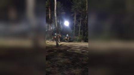 拍摄马戏又脏又累,武行骑马的兄弟辛苦