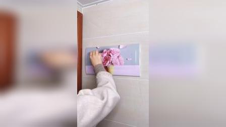 家里的开关电箱很难看,跟装修精致的墙面很不搭,贴上这个电箱装饰贴美观又好看