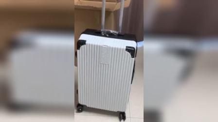 回家的时候准备个结实的行李箱,装东西也方便