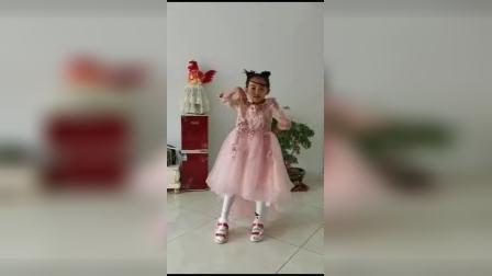 乌拉特中旗第一幼儿园大三班六一视频锦集