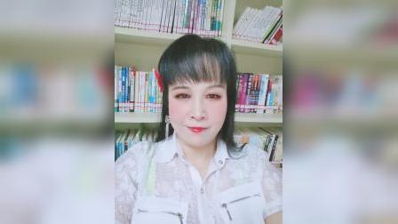 zhanghongaaa自拍 飘着墨香的书,无法读尽蕴藏在其中的味,但遇事不通的时候,书中有路,书中还有百家争鸣,我看书,书看我,这就是心灵的共鸣。