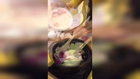 《石锅拌饭》 不急不躁,顺其自然,天注定,等风来。