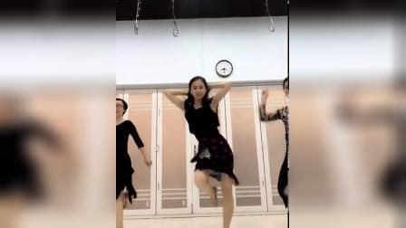 君晓天云舞蹈练功服拉丁女舞裙成人跳舞裙子夏蕾丝性感花边社交舞表演衣服