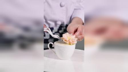 王森学校杨玲老师裱花课程 雅安西点烘焙培训学校学费是多少