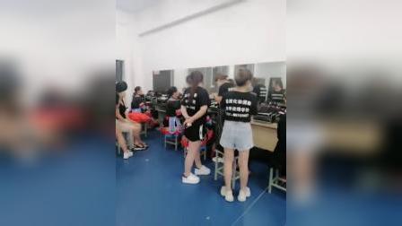 江西省委会庆典晚会特邀南昌晶炫化妆学校做化妆造型