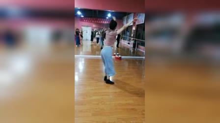 星雅艺术培训中心中国舞班郑老师课堂教学示范 藏族舞基本动作组合