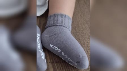 君晓天云3双 婴儿袜子秋季棉袜防滑地板袜新生儿无骨鬆口中筒袜初生婴儿袜