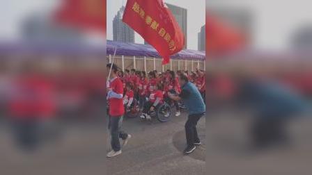 郑州马拉松2019郑州马拉松中最受关注的一个参赛团体